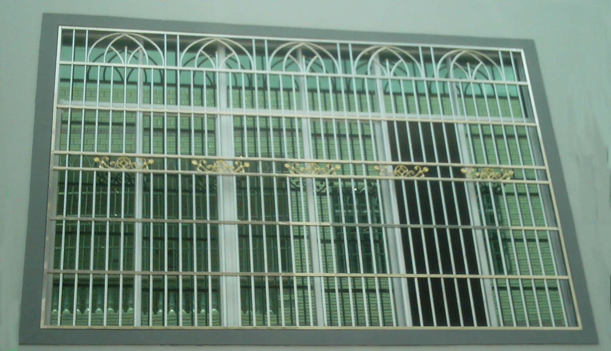 海南三鼎有十年的装璜设计建筑施工经验,拥有经验丰富的项目施工管理团队、全面的建筑施工队伍,两个专门加不锈钢、铁艺、最新款铝合金防蚊纱窗、铝合金、等厂房。无论是建房还是装璜,三鼎将是你最明智的选择,只有更全面的更全方位的服务才能做得最好! 选择三鼎 = 安心 + 放心 + 宽心 因有时候业务繁忙,办工室不一定有人,如果联系我们请拨打电话。