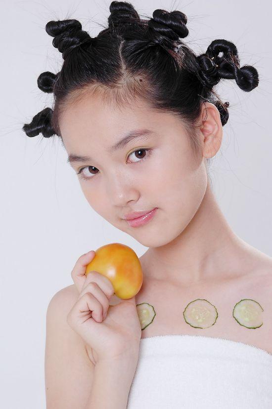 十二岁小美女,清纯无敌(长得象刘亦菲)
