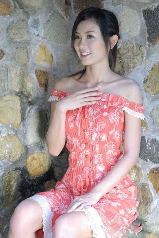 美女贴图花裙mm公园自拍