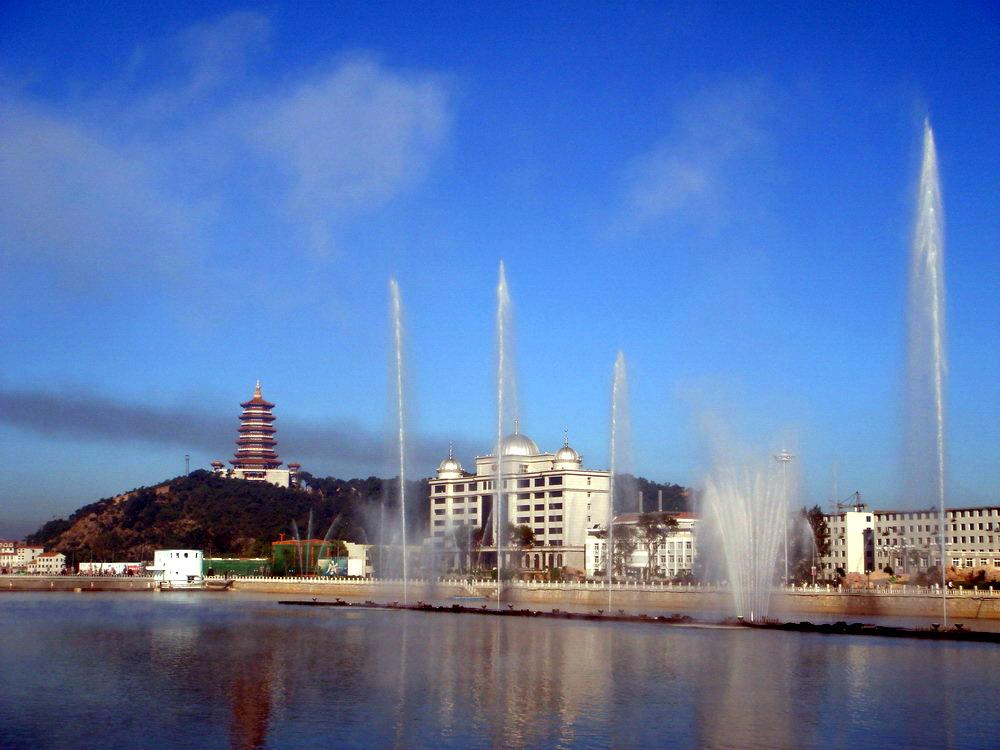 龙山:龙首山,辽源市风景区,集博物馆,寺院,道观,公园于一起.