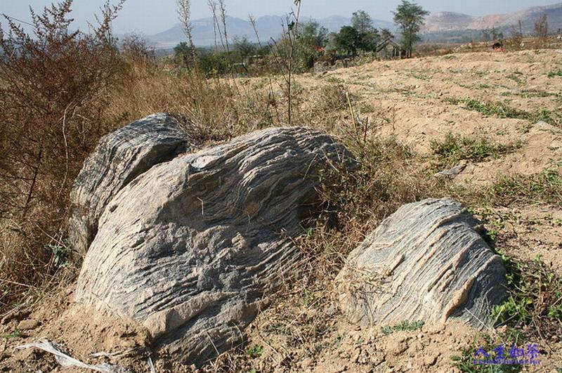 (原创)田黄十八盘风景区的石头