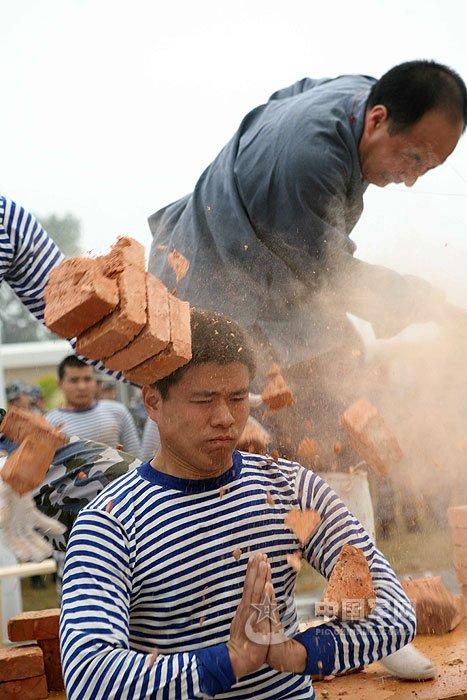 日本 曾庆摄/特种兵训练