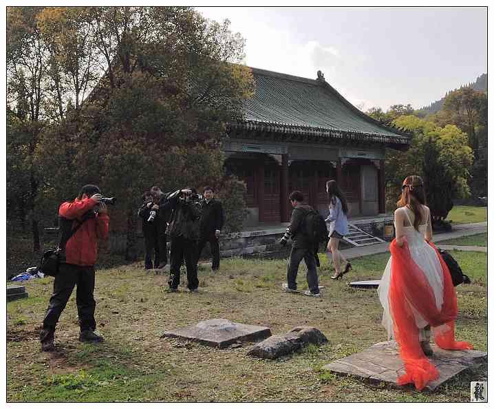藏龙岛传媒学校与武汉摄友会合,接两位美女mt,然后经流芳转至龙泉风景