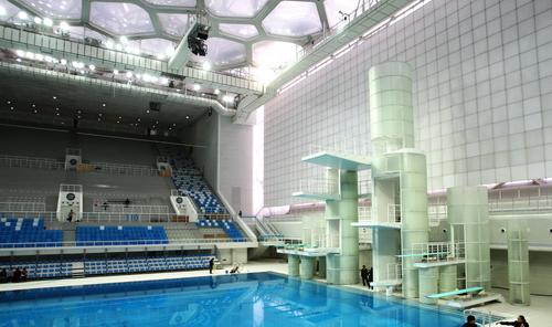 百年奥运建筑见证百年奥运历程, 展示人类社会的崇高和美好。