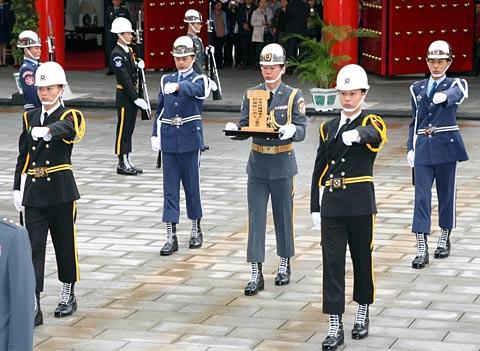 中国将隆重迎海外抗日将士遗骸归国