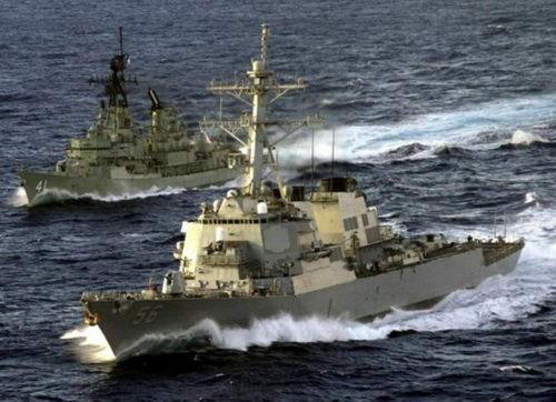 美官员:相撞时美军驱逐舰正跟踪中国潜艇