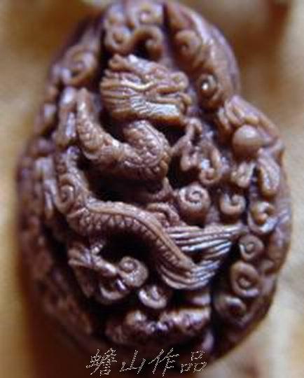 桃核雕刻大师图片 桃核雕刻篮子步骤图